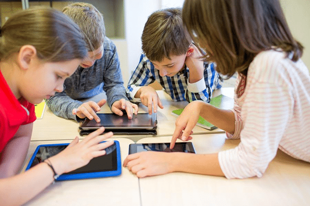technology in education, Six Ways in Which Technology is Making Education More Available